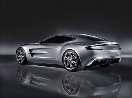 Aston Martin One-77 vista trasera